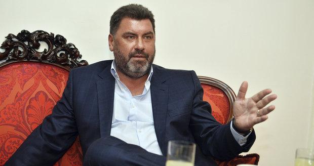 """Zemanův poradce """"Pan Lukoil"""" Martin Nejedlý při rozhovoru pro Blesk"""