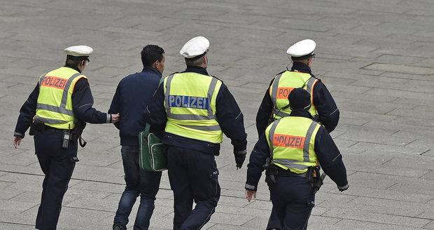 Švédská policie ze strachu před uprchlíky prchá a podle všeho už kapitulovala i německá policie.