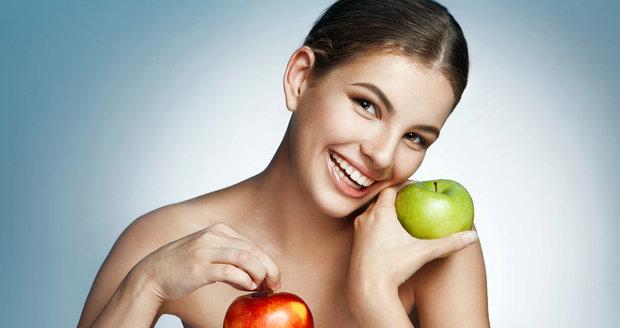 Jezte každý den jablka! Můžou pomáhat redukovat hladinu cholesterolu.
