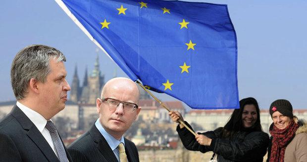 Premiér Bohuslav Sobotka: Čeští občané nemají právo zpochybnit naše členství v EU a hlasovat o něm. Referendum nepřipustíme