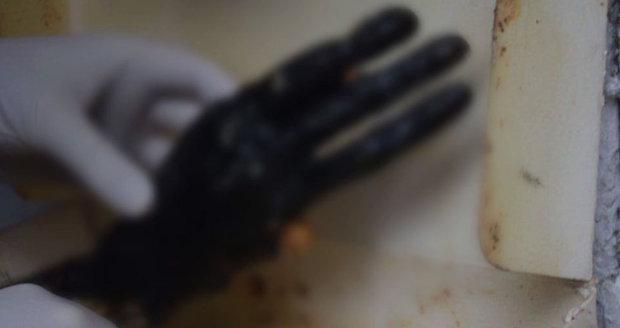 Dělníci našli na Slovensku v paneláku utrženou ruku.