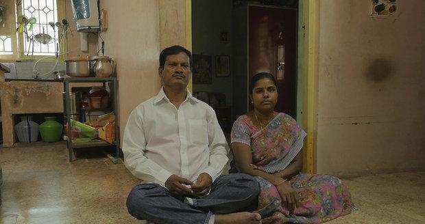 Arunachalam Muruganantham a jeho žena Shanti.