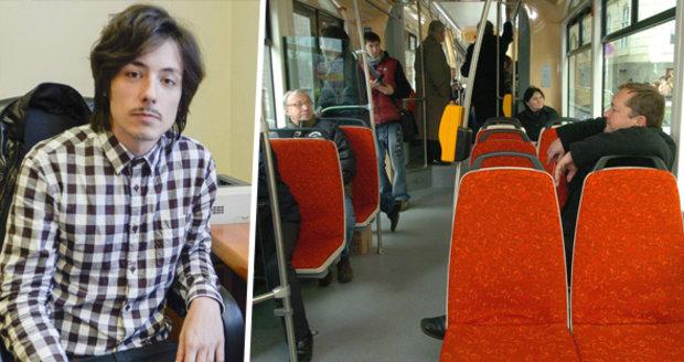 Na Stropnického v tramvaji zaútočil muž, kvůli uprchlíkům