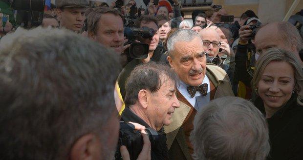 Žantovský: Vyklidit Hradčanské náměstí přikázal Hrad, řekl nám policista