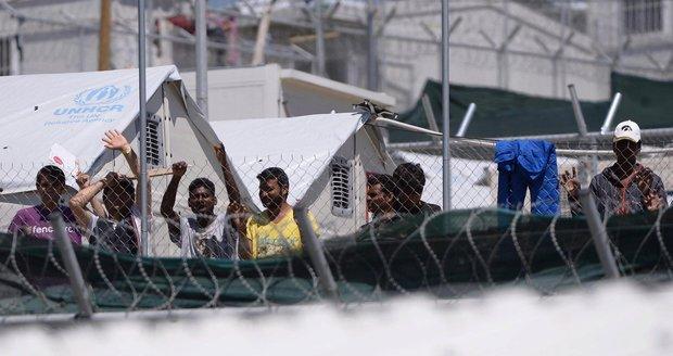 Dvě české dobrovolnice řekly, jaké to je ve stanu se 150 uprchlíky