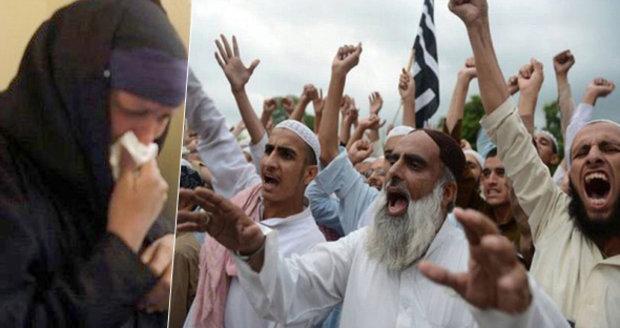 """Křesťan se """"špatně"""" zamiloval. Dav muslimů svlékl jeho matku donaha a zbil ji (BLESK.CZ)"""