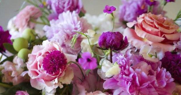 Jak si udělat květinovou aranž do vázy, aby vám dlouho vydržela