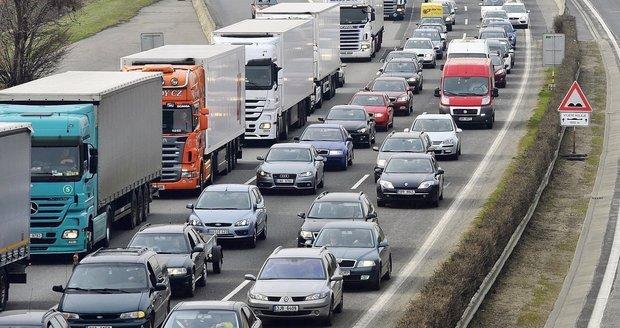Stavba Pražského okruhu mezi D1 a D11 začne do tří let, slíbil Sobotka