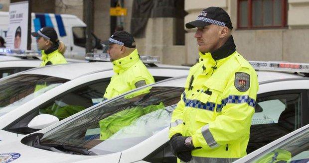 Brno chce nalákat nové strážníky i zvýšením jejich platů. (Ilustrační foto)