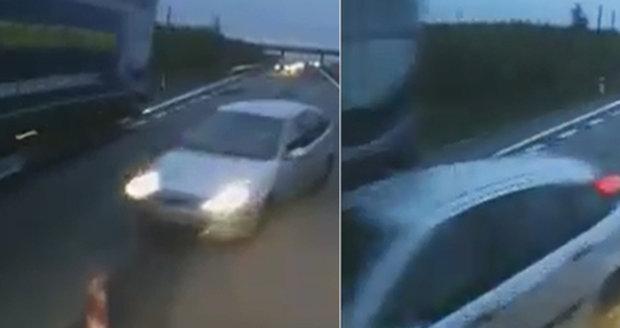 Řidič jel přímo proti kamionu. Jen těsně unikl čelnímu nárazu.