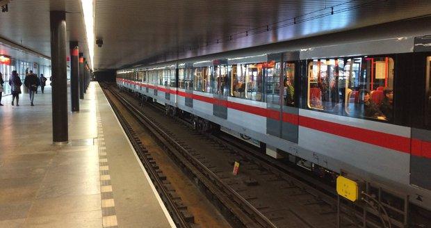 Stanice metra Vyšehrad se dříve jmenovala Gottwaldova.