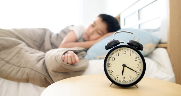Ideální délka spánku? Podle všeho 7 hodin a 6 minut.