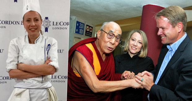 Kateřina Bursíková Jacques s dalajlamou, manželem Martinem a v kuchařském rondonu