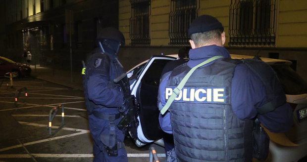 Policisté z Národní centrály proti organizovanému zločinu zablokovali nigerijskému obchodníkovi majetek. (Ilustrační foto)