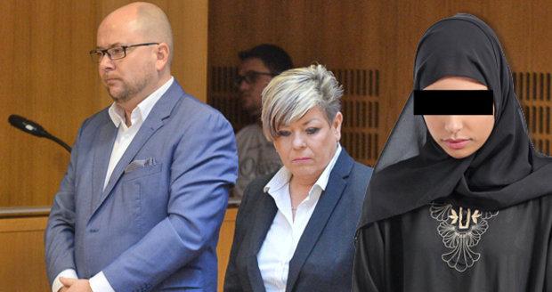 Soud o hidžáb vyhrála ředitelka, studentce se omlouvat nemusí