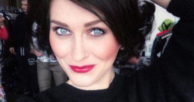 Celebrity na síti: Zorka Hejdová a Karolína Kurková jako tmavovlásky
