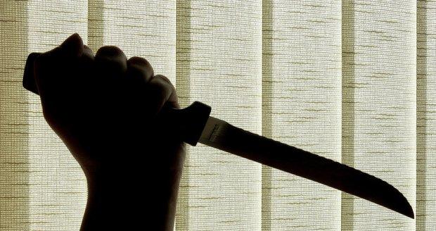 Muže (41) prý pobodala jeho přítelkyně (27) z Lotyšska. (Ilustrační foto)