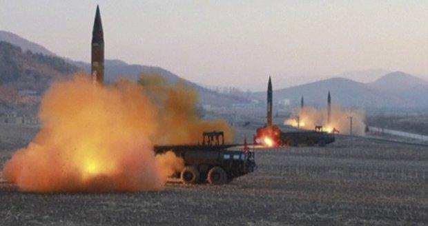 Kim Čong-un může útočit sarinem, má připravené rakety, varuje Japonsko