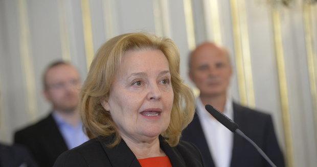 Magda Vášáryová během představování týmu poradců prezidentského kandidáta Michala Horáčka
