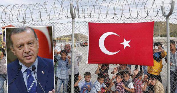 Turecko hrozí, že do EU začne posílat 15 000 uprchlíků každý měsíc.
