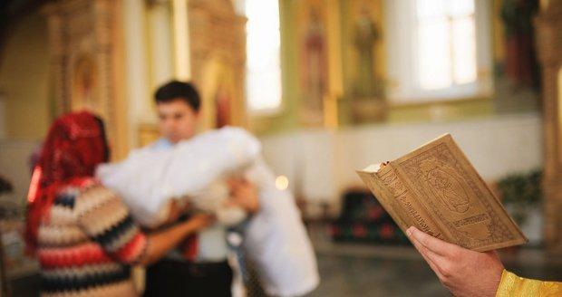 Sicilský arcibiskup zakázal mafiánům stávat se kmotry při křtech.