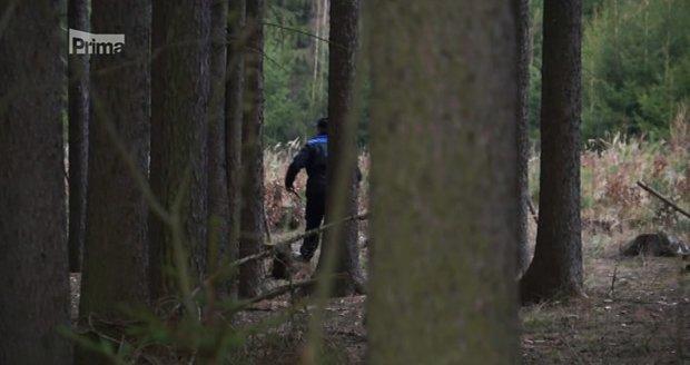 Policisté hledali Míšu na novém místě.