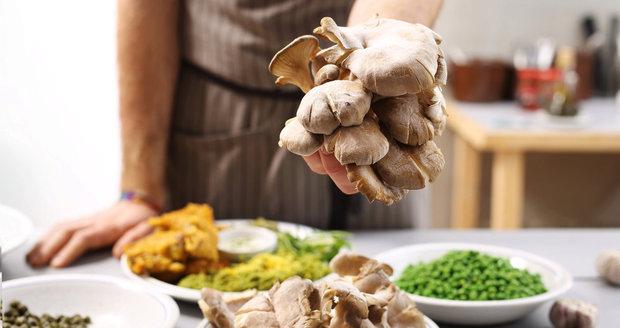 Hlívu ústřičnou využijete v kuchyni na mnoho způsobů