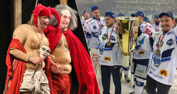 Hokejem žilo celé Brno. Ani díváci v divadle Bolka Polívky nepřišli o informaci, že hokejisté vyhráli titul.