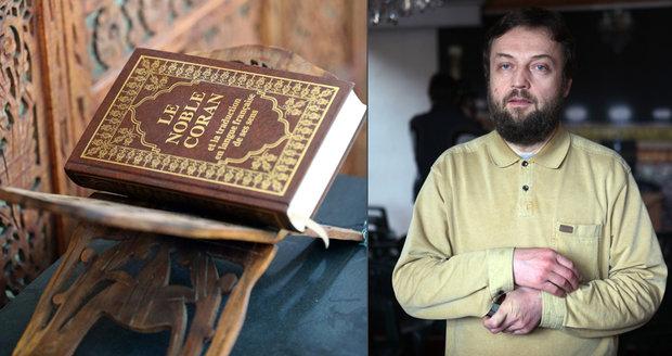 Vladimír Sáňka byl obviněn z toho, že údajně napsal knihu, která šíří nenávist k jiným náboženstvím.