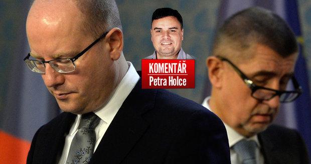 Komentář: Sobotka se pochlapil a položil vládu. ČSSD následuje v rozkladu ODS