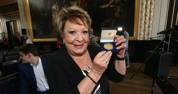 Jiřina Bohdalová obdržela čestné občanství Prahy.