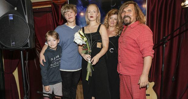 Vegan Petr Vachler představil svou rodinu.