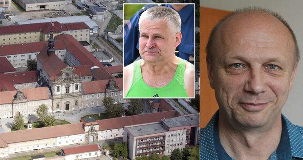 Kaplan z Valdic, odkud chtěl utéct Kajínek: Vězňům jdu až na dřeň