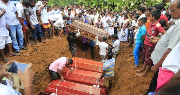 V turistickém ráji Čechů je už 146 mrtvých. Srí Lanku dál pustoší živly