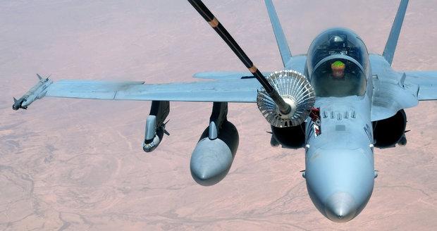 Lavrov vytkl USA sestřelení syrského armádního letounu