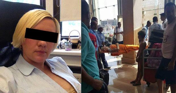Lenka pobodaná v Hurghadě má psychické potíže, tvrdí rodina. Ale zotavuje se