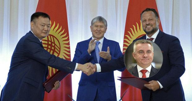 Neznámá česká firma bude za miliardy stavět v Kyrgyzstánu. Pomohl jí Mynář