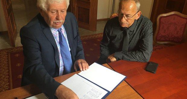 Kubera může bojovat o Hrad, v Senátu nasbíral dost podpisů. Zatím ale vyčkává