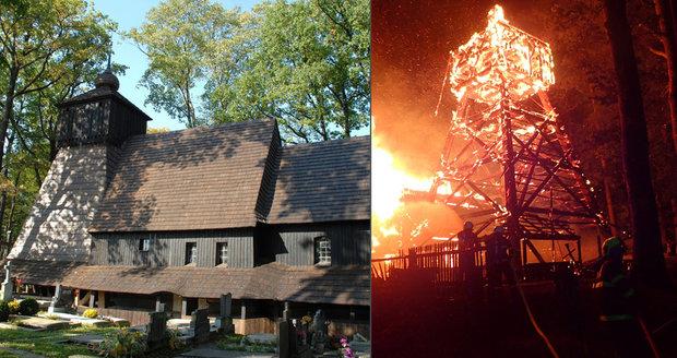 Žár v kostele v Gutech roztavil všechny tři zvony, na veřejné sbírce je už 1,3 milionu