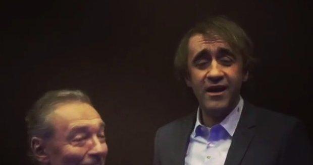 Karel Gott a Jakub Kohák nazpívali vtipný duet.