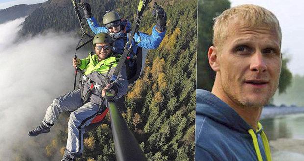 Pohřeb paraglidisty Tomáše odhalil tajemství jeho smrti: Umíral s úsměvem na tváři