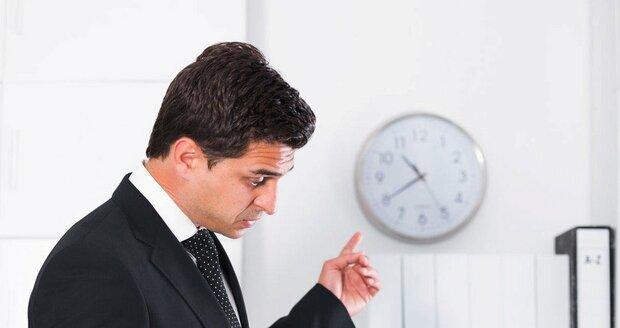Šéf se vás může zbavit třeba neustálým hledáním drobných chyb.