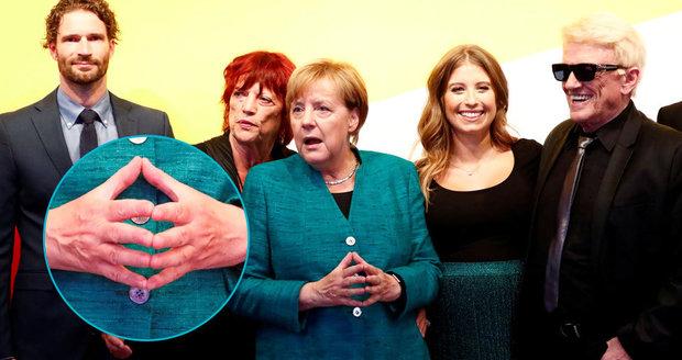 """Merkelovou chtějí poslat do """"důchodu"""". Expert: Její rivalové nasekali zásadní chyby"""