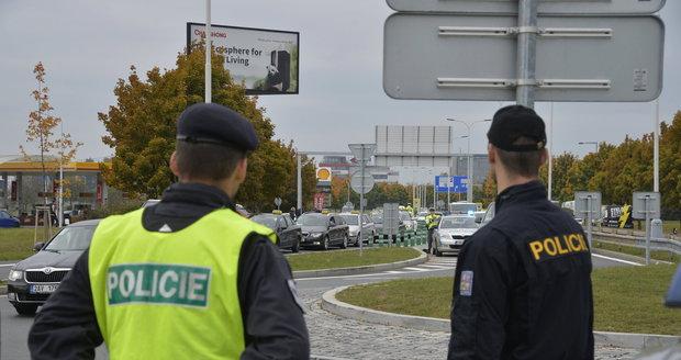 """""""Únos"""" holčičky (3) v Praze: Odvezla ji matka! Policie udělala zátarasy, našli ji v Německu"""