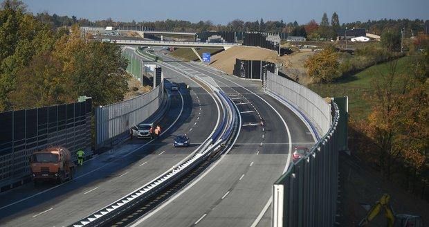 Ředitelství silnic a dálnic zprovoznilo v Oldřichovicích na Frýdecko-Místecku část obchvatu Třince.