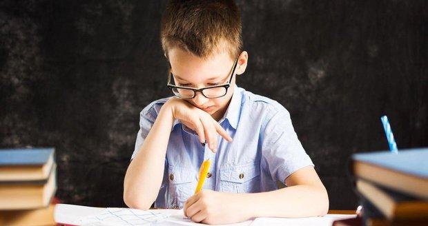 Proč trápí děti poruchy čtení? Problémy jsou v očích, odhalili vědci