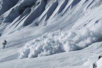 Dva Češi zemřeli pod lavinou v Rakousku. Překvapila je na vyznačené trase