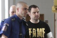 Sexsymbol Petr Kramný? Je obžalován z vraždy manželky a dcery, ale do vězení mu píšou fanynky