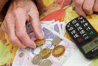 Důchodci si příští rok přilepší průměrně o 114 korun