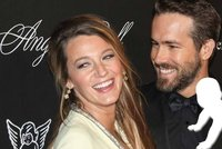 Blake Lively a Ryan Reynolds z��� �t�st�m: Stali se dvojn�sobn�mi rodi�i!